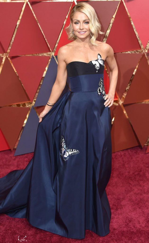 Kelly-Ripa-In-Purple-Gown-Images