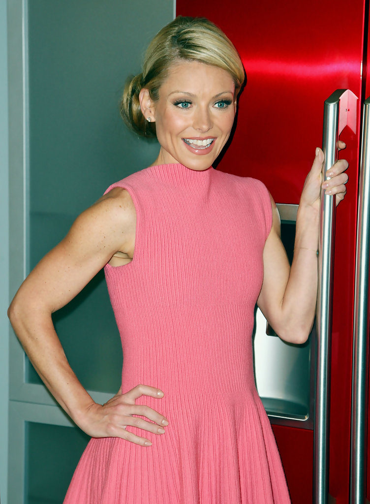 Kelly-Ripa-Muscles-Pictures