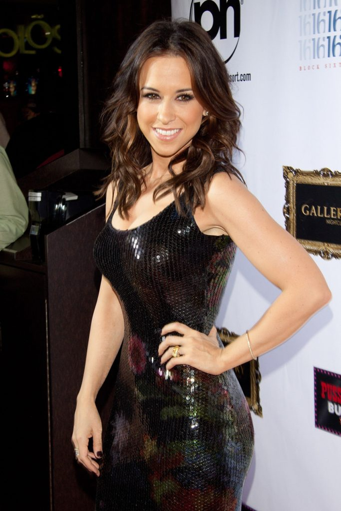 Lacey-Chabert-Body-Images