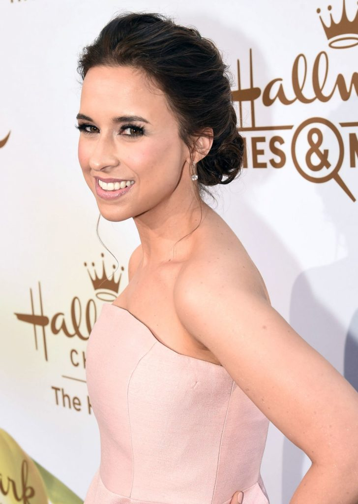 Lacey-Chabert-Sexy-Eyes-Pictures