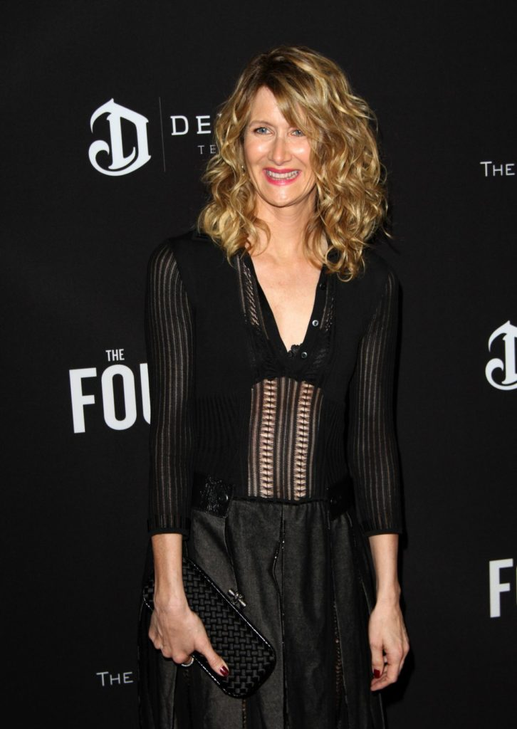 Laura-Dern-Sexy-Look-Photos