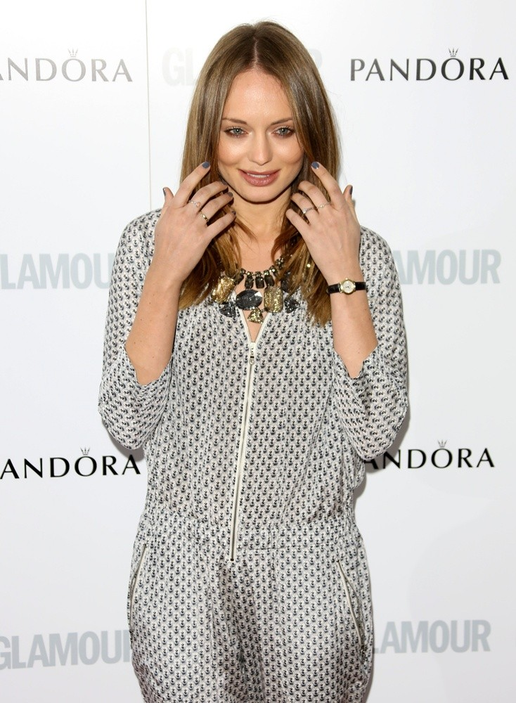 Laura-Haddock-Cute-Smile-Images