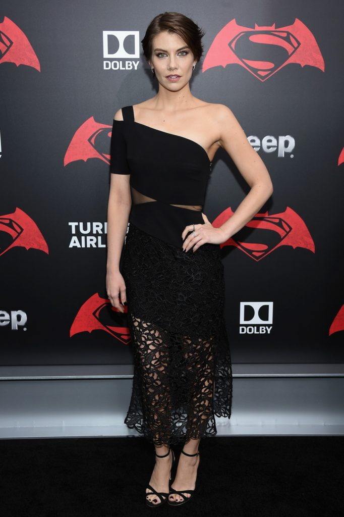 Lauren-Cohan-High-Heals-Pics