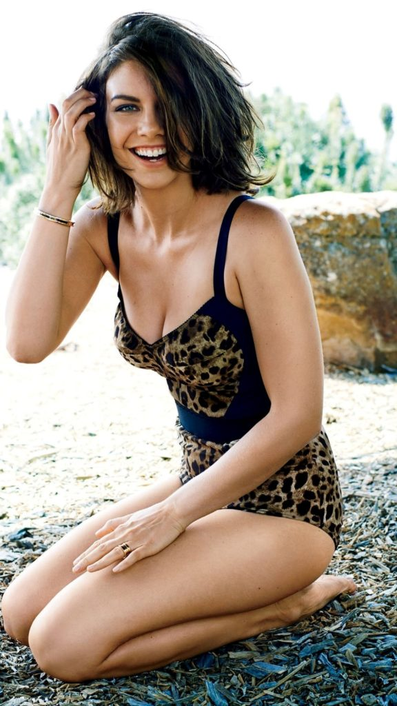 Lauren-Cohan-Swimsuit-Pics
