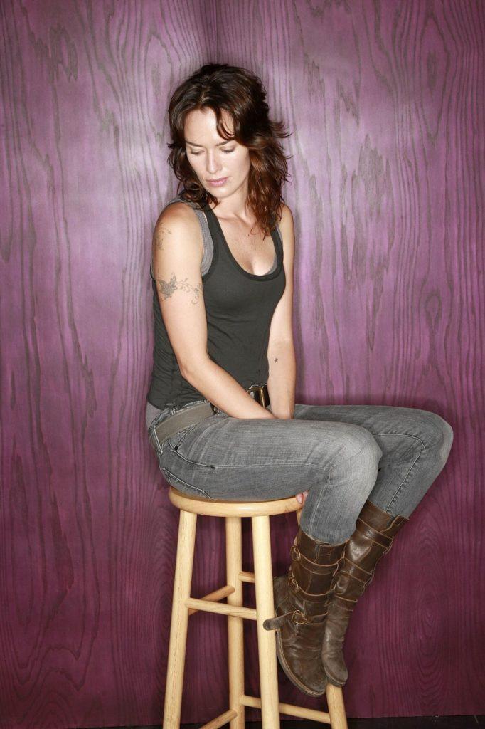 Lena-Headey-Jeans-Wallpapers