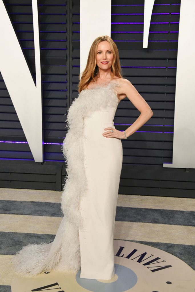 Leslie-Mann-In-Gown-Pics