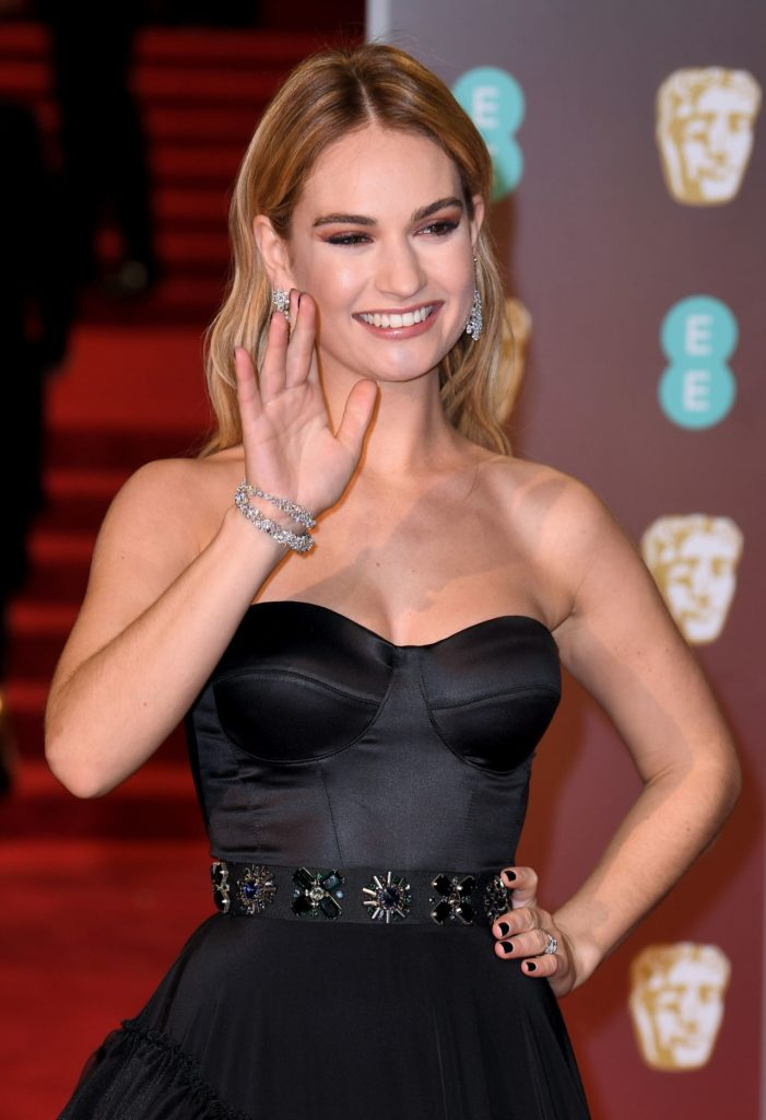 Lily-James-Muscles-Pics
