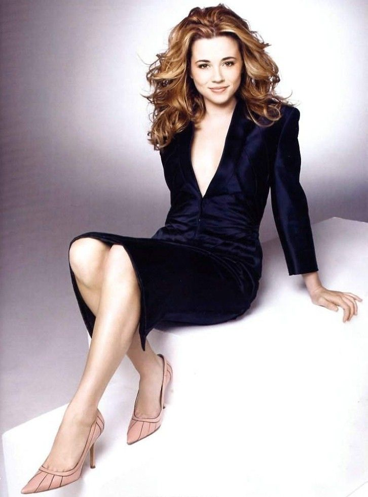 Linda-Cardellini-Legs-Pictures
