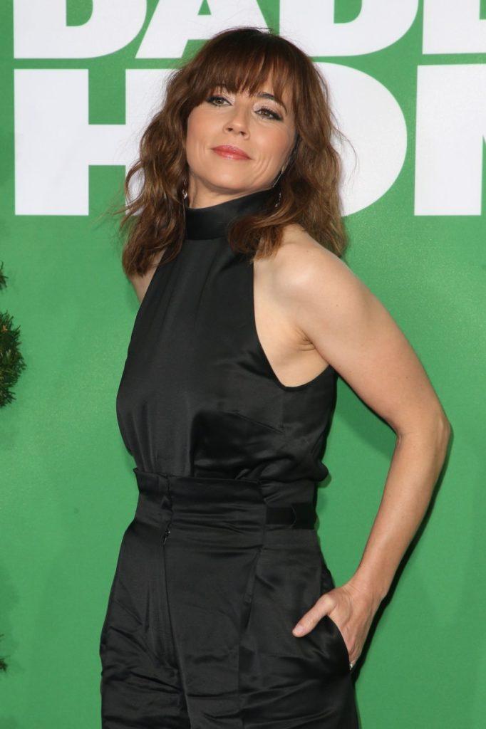 Linda-Cardellini-Muscles-Pics