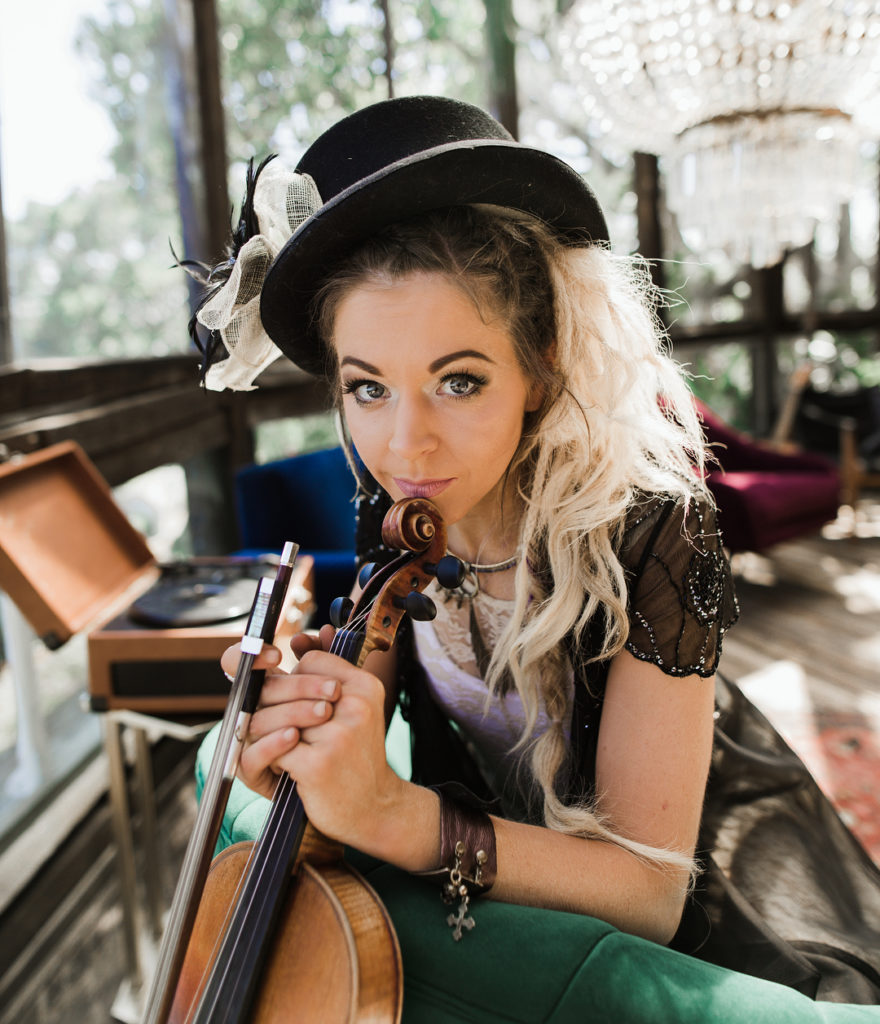 Lindsey-Stirling-Sexy-Eyes-Photos