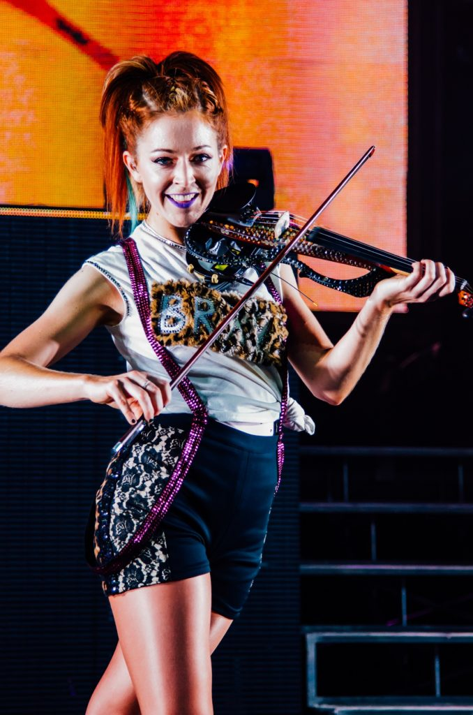 Lindsey-Stirling-Stage-Performence-Pics