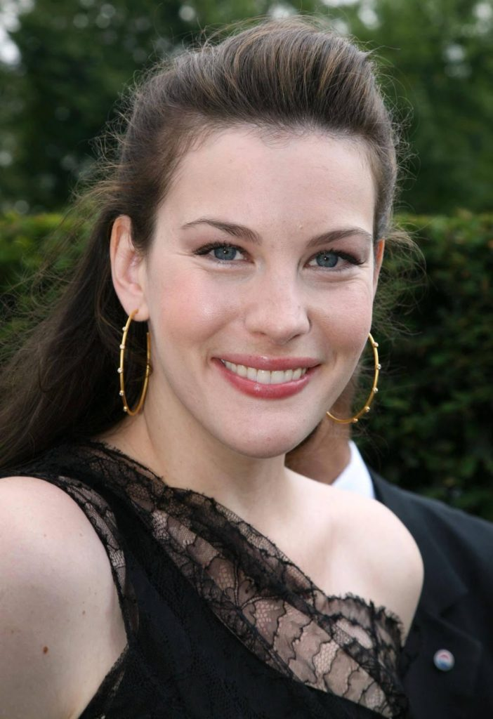 Liv-Tyler-Cute-Smile-Images