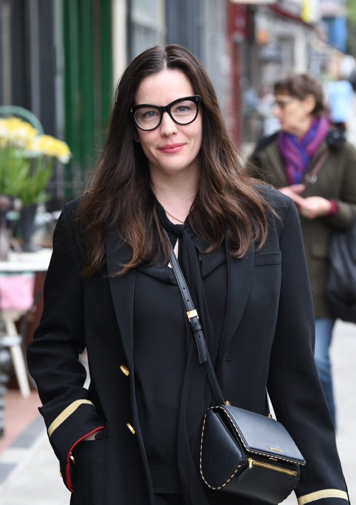 Liv-Tyler-Goggles-Images