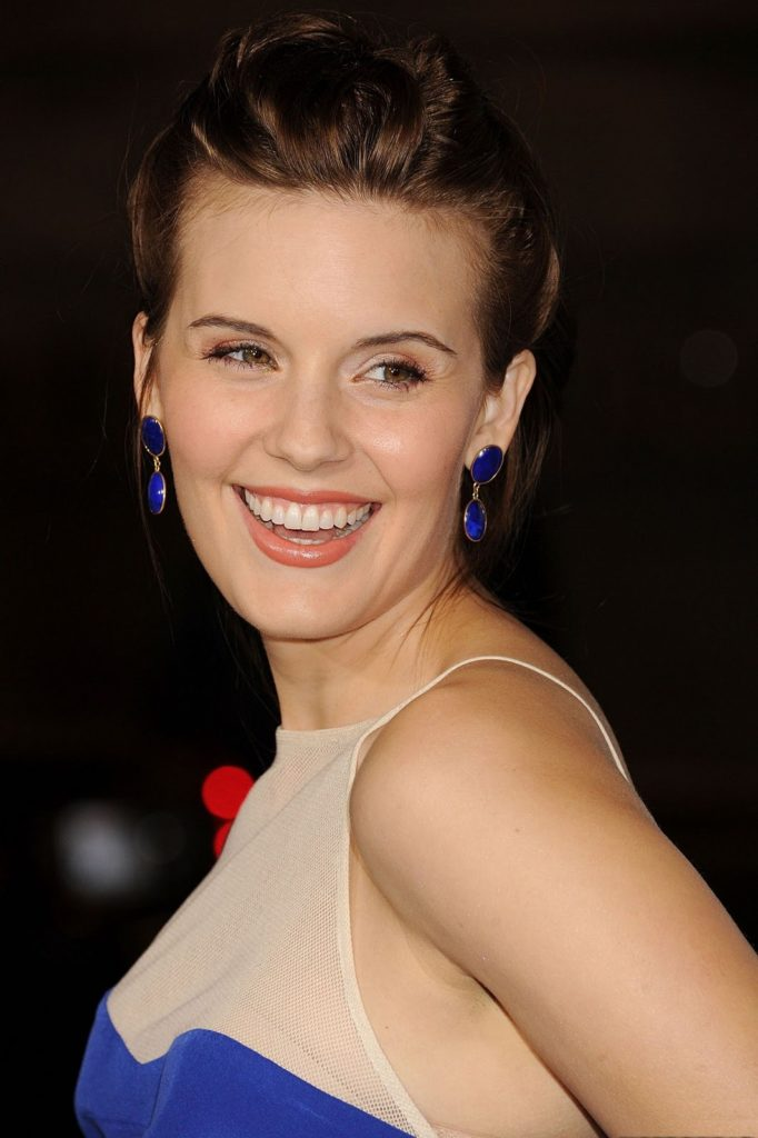 Maggie Grace Cute Smile Wallpapers
