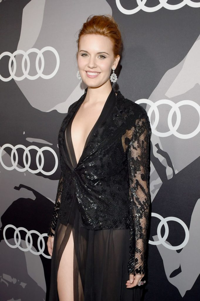 Maggie Grace Thighs Photos