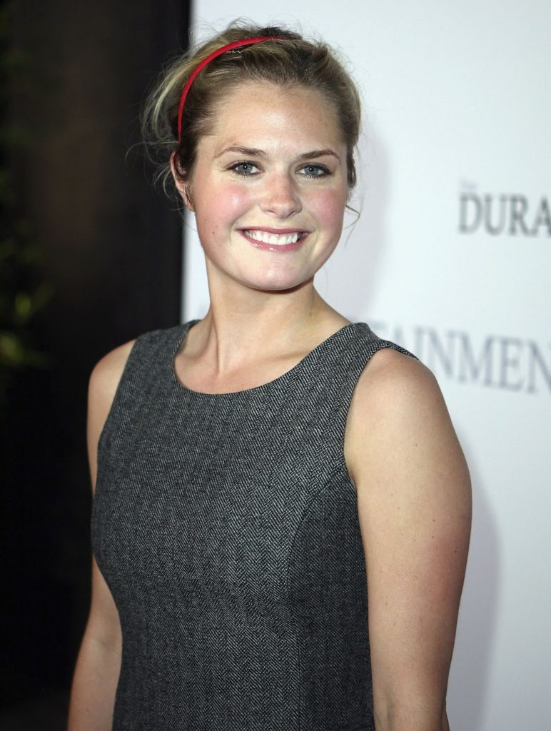 Maggie Lawson Cute Smile Pictures