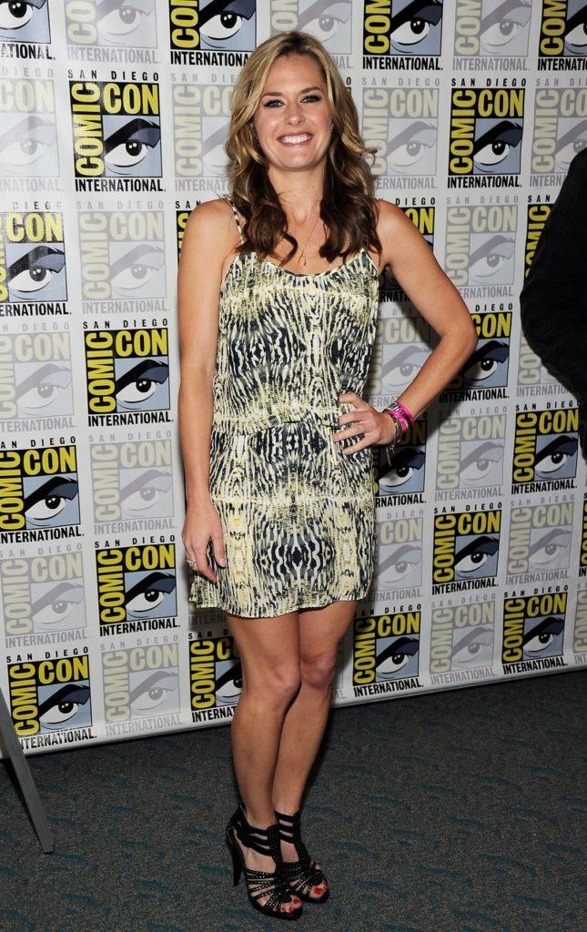Maggie Lawson Feet Photos