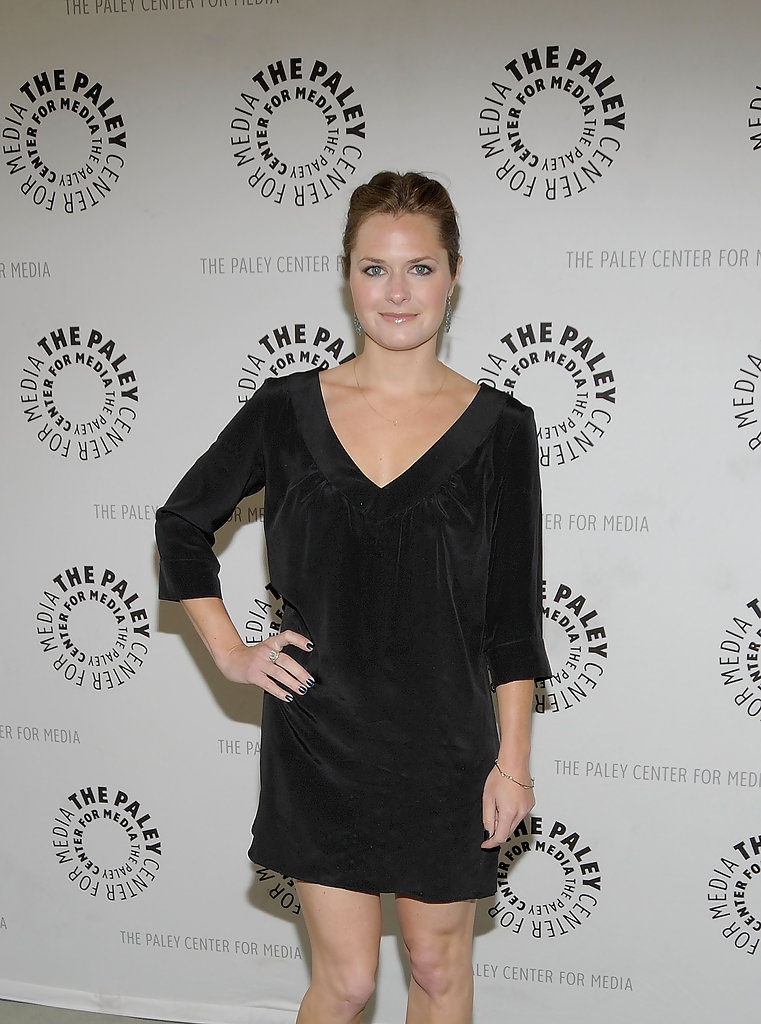 Maggie Lawson Thighs Pics