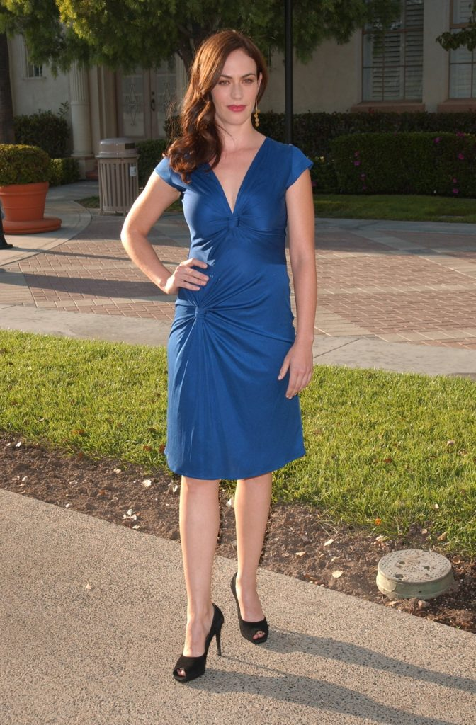 Maggie Siff Feet Wallpapers