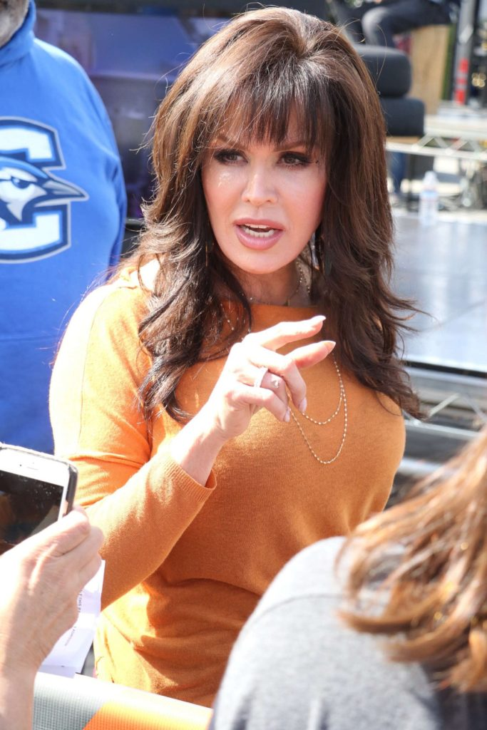 Marie Osmond Sexy Pose Wallpapers