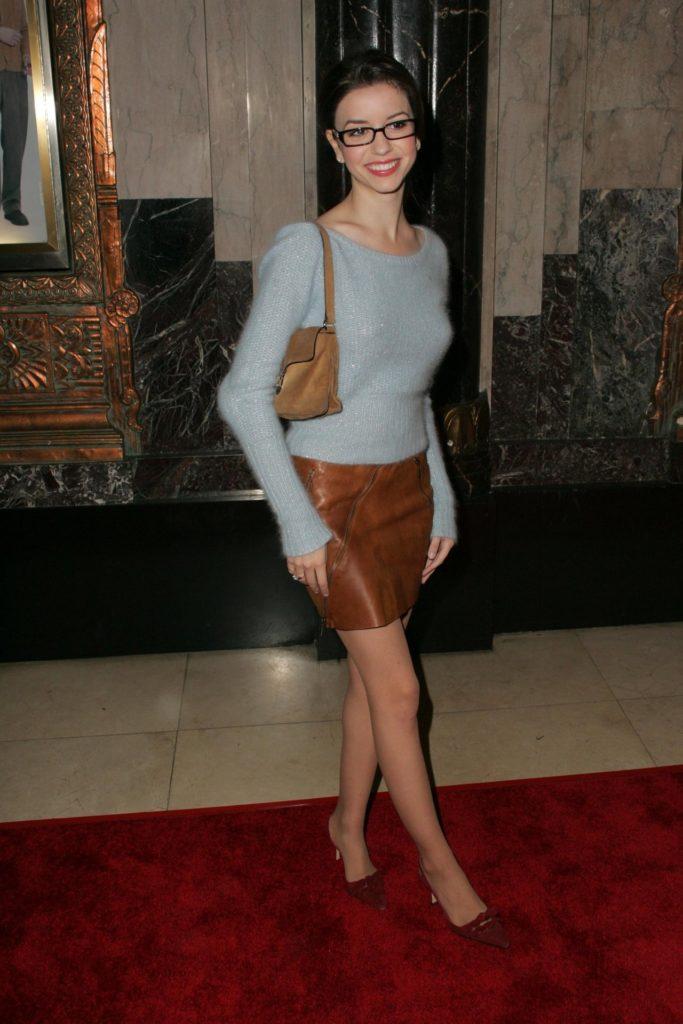 Masiela Lusha Bold Pics
