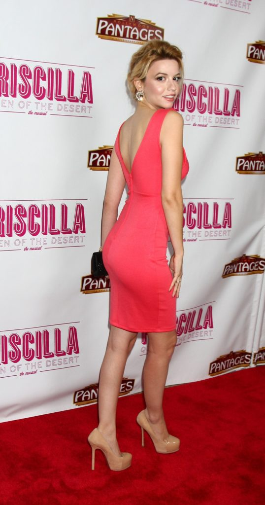 Masiela Lusha High Heals Pictures