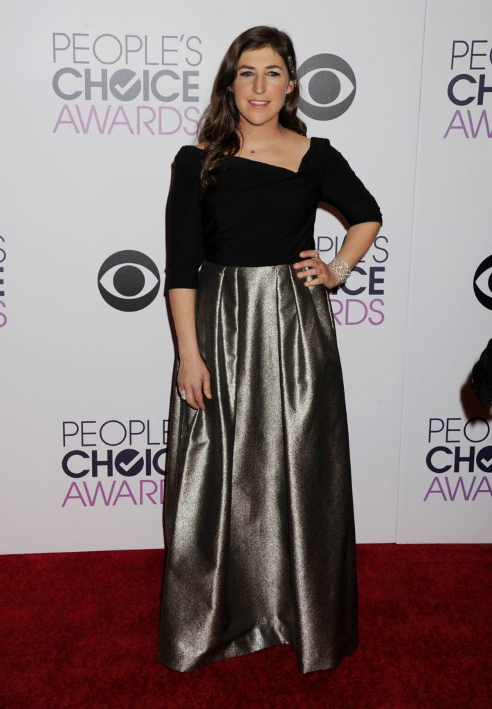 Mayim Bialik In Gown HD Pics