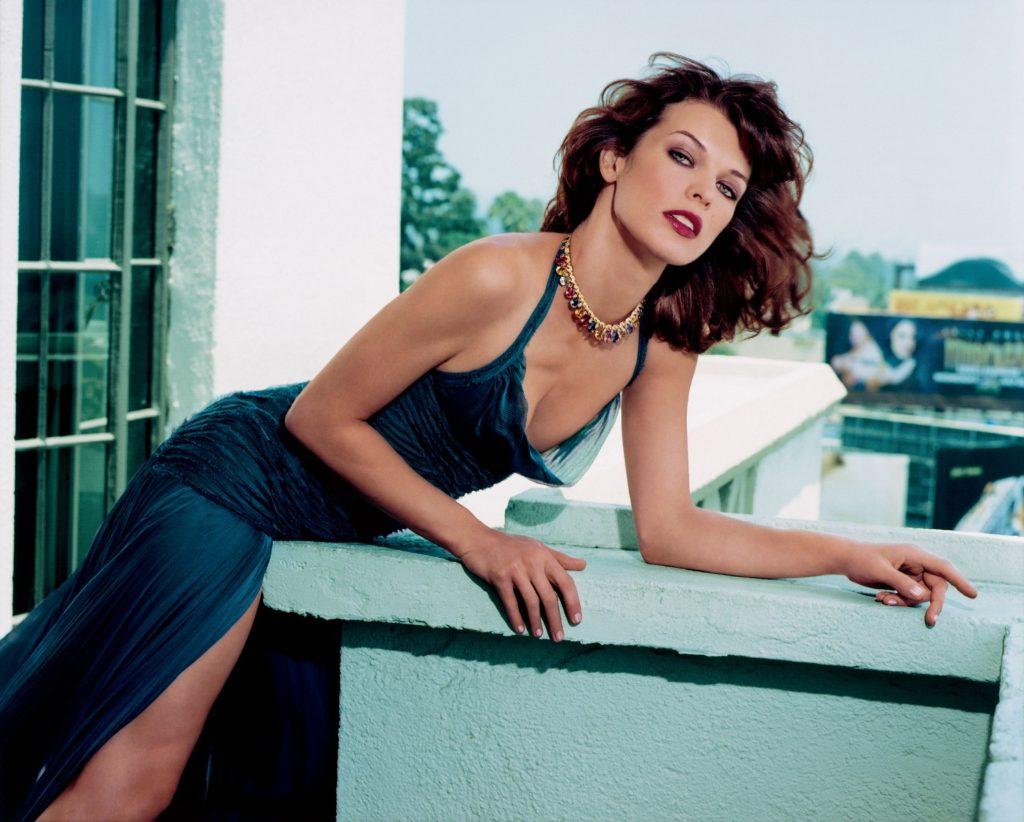 Milla Jovovich Bra Cleavage Images