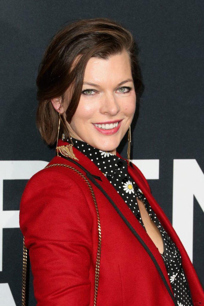 Milla Jovovich Hot Pictures