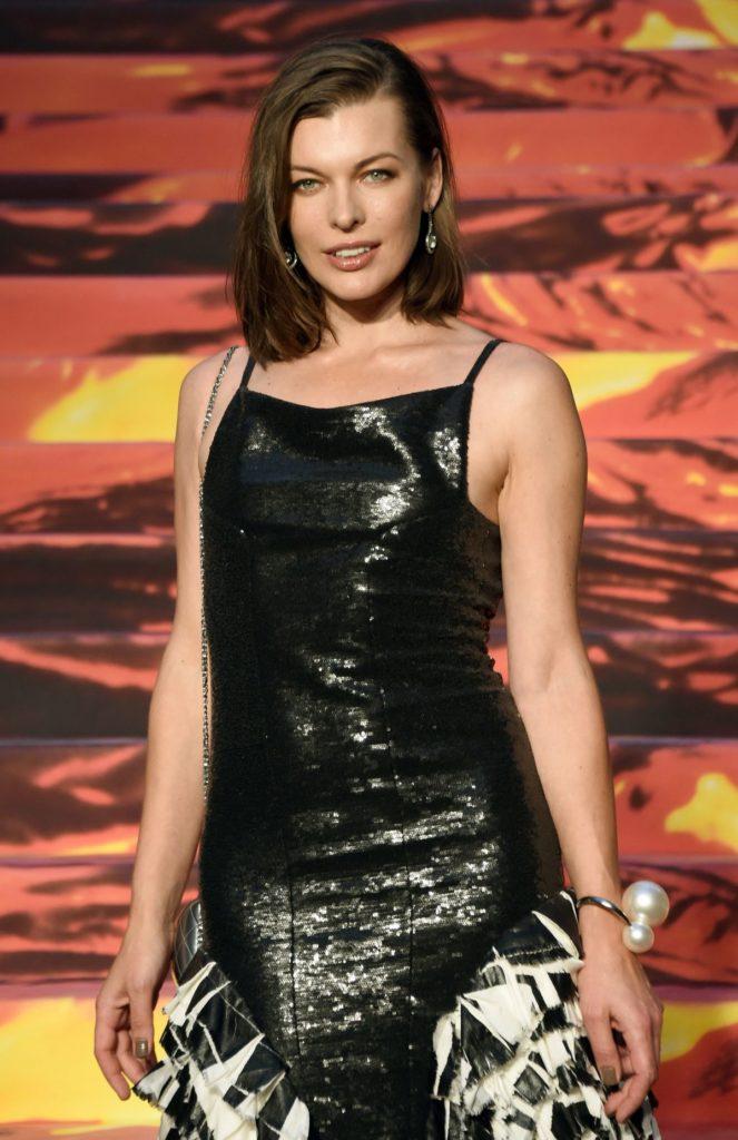 Milla Jovovich Sexy Photoshoot