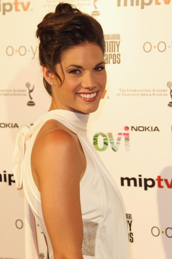 Missy Peregrym Cute Smile Pictures