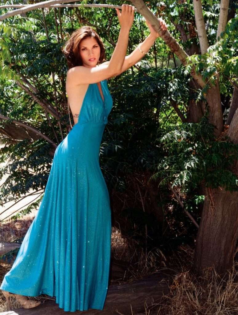 Missy Peregrym In Backless Dress Images