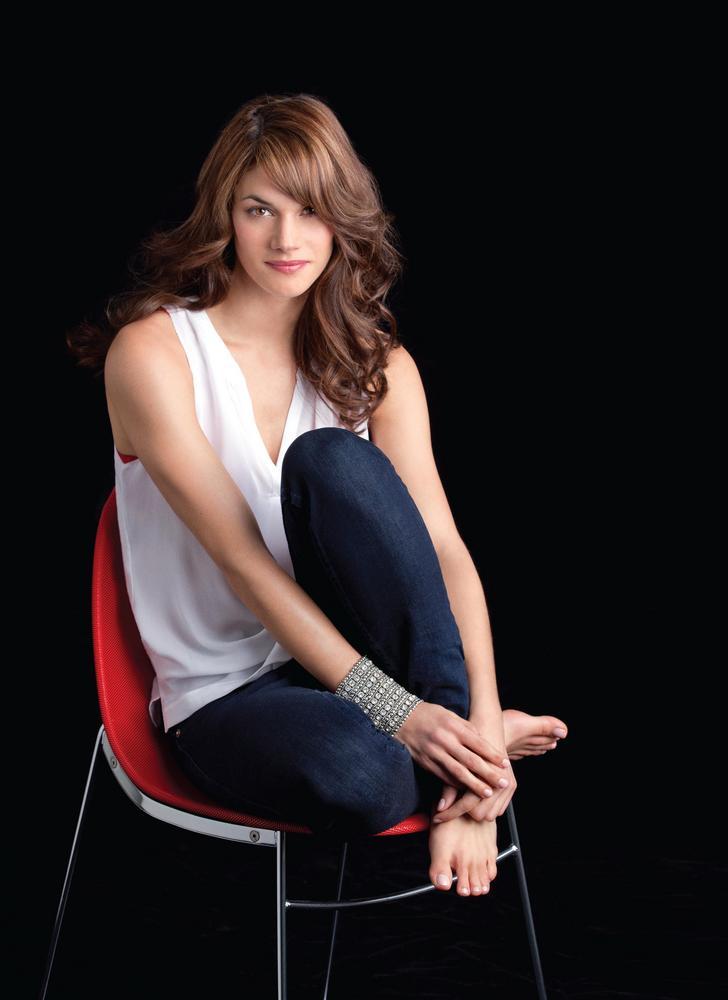 Missy Peregrym In Jeans Pics