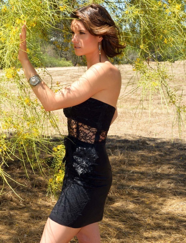Missy Peregrym In Shorts Pics