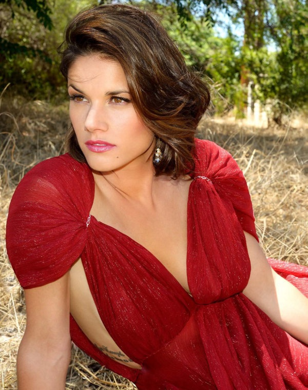 Missy Peregrym Short Haircut Pictures