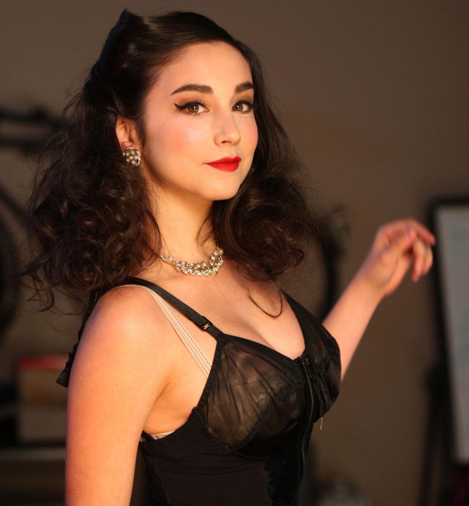 Molly Ephraim Bra Pictures