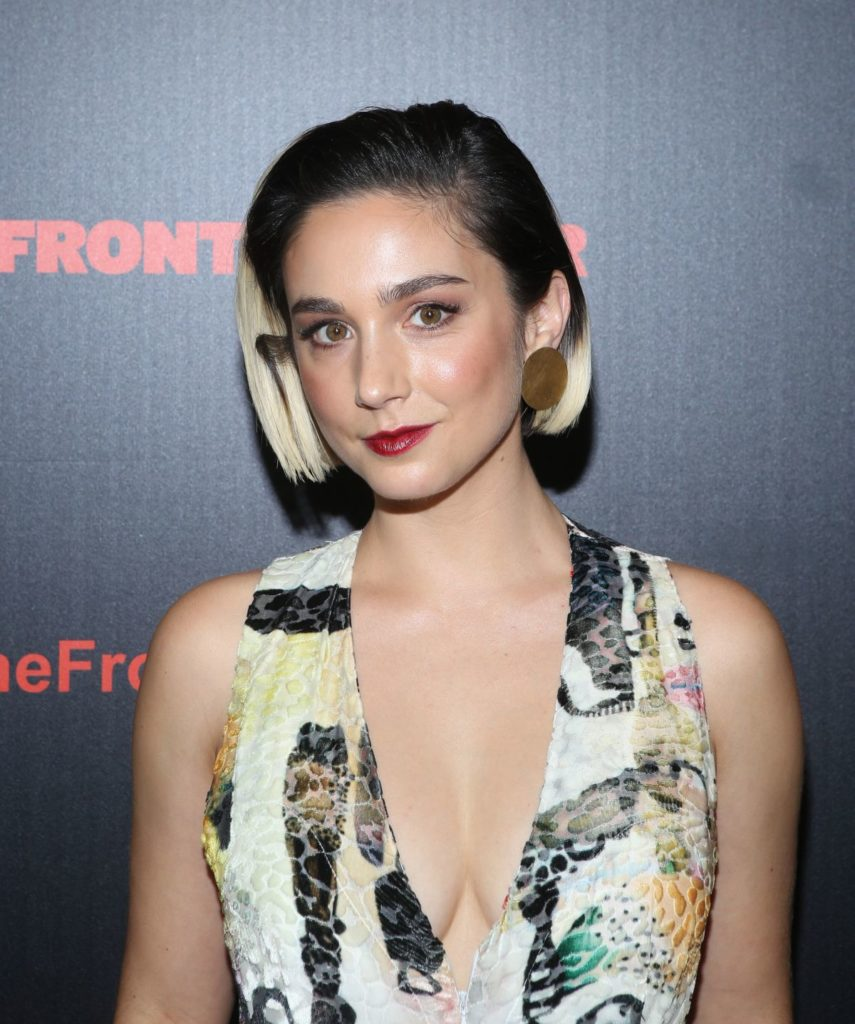 Molly Ephraim Braless Images