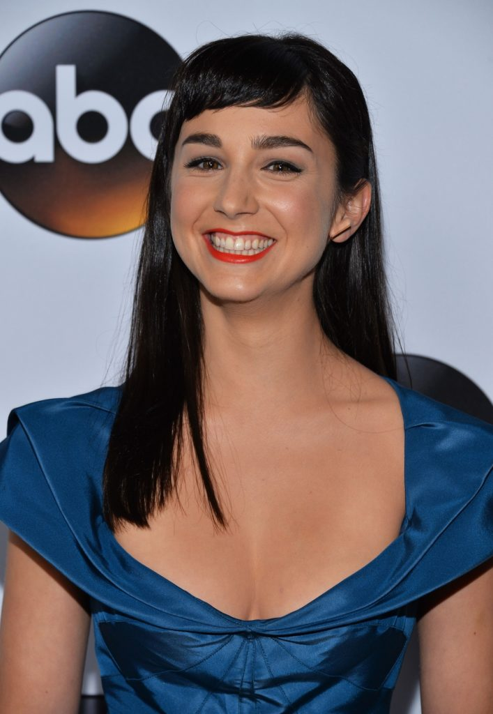 Molly Ephraim Cute Smile Wallpapers
