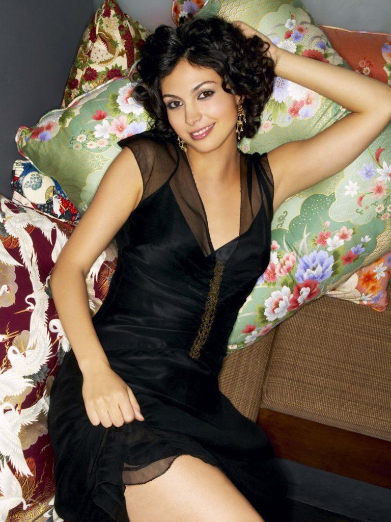 Morena Baccarin In Lingerie Pics