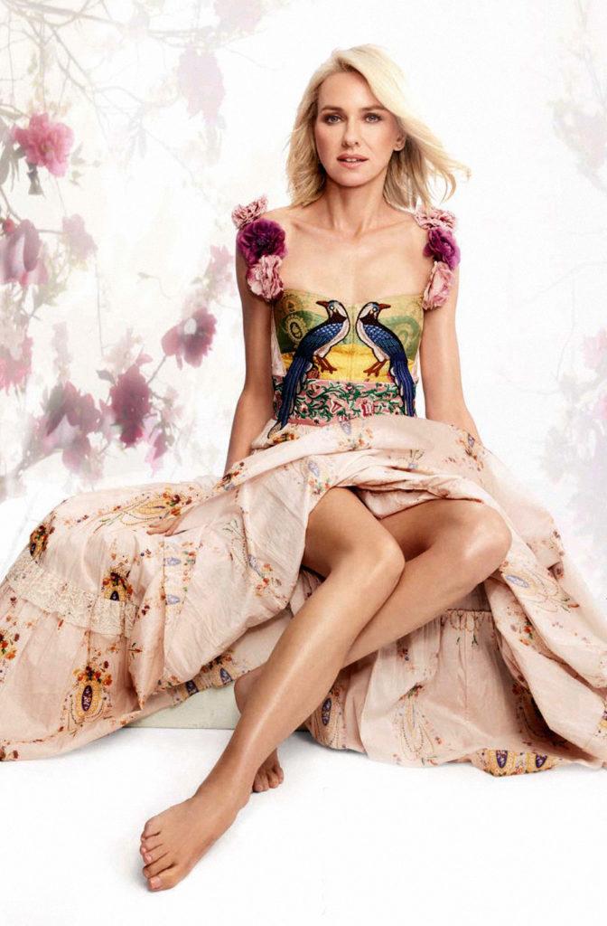 Naomi Watts Sexy Legs Pics