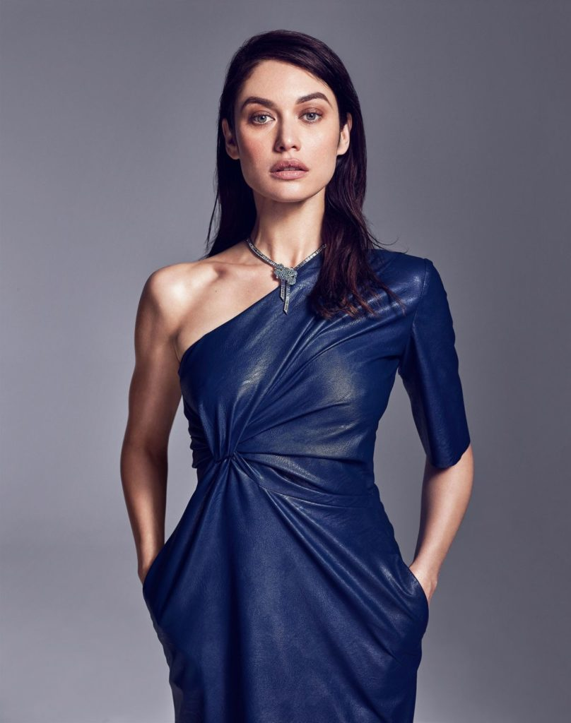 Olga Kurylenko In Offsholder Clothes Pics