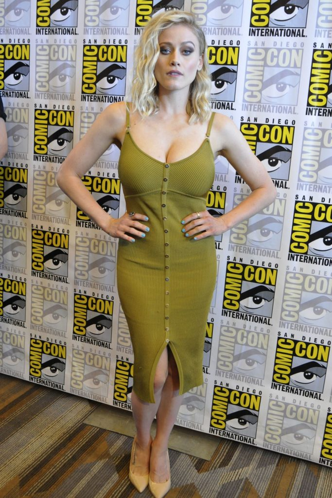 Olivia Dudley Legs Pics