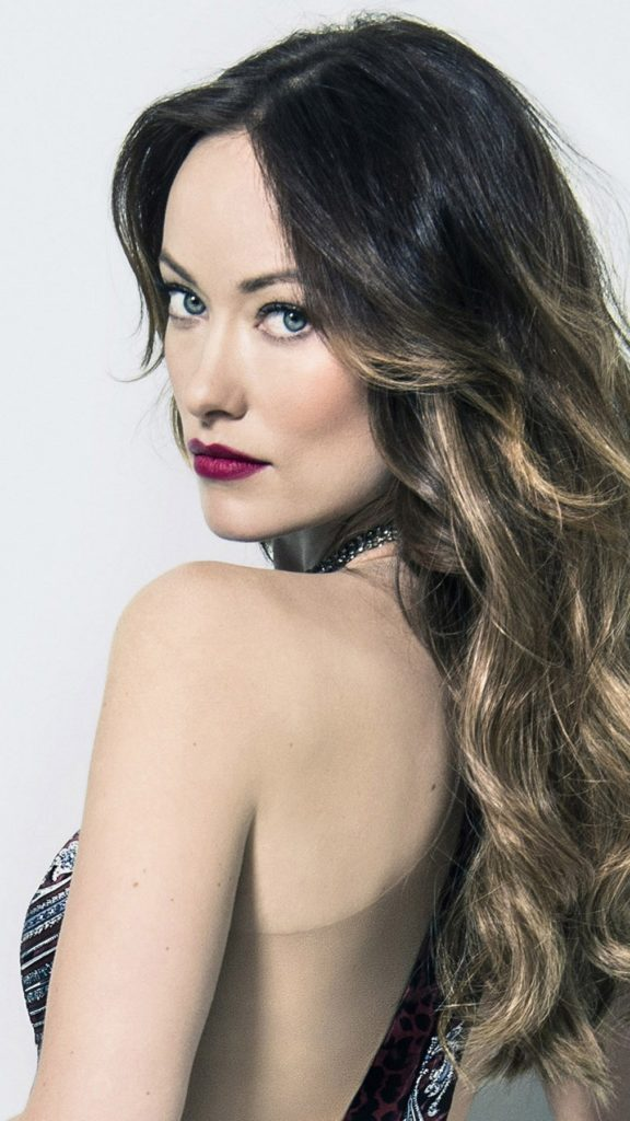 Olivia Wilde In Backless Dress Pictures