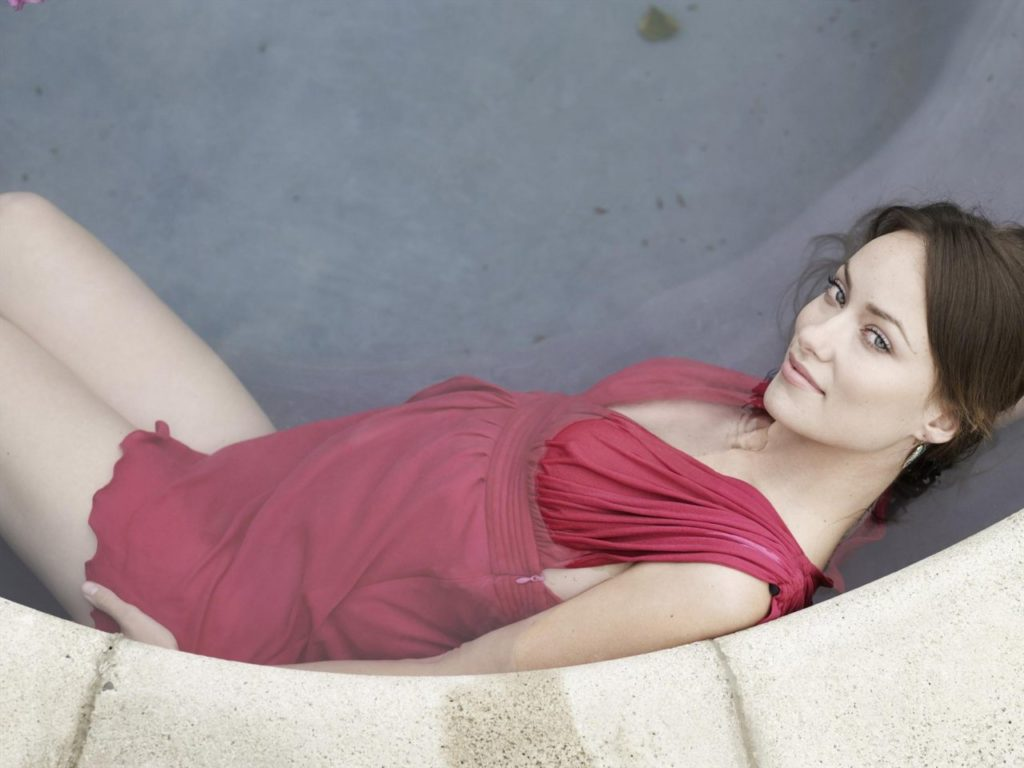 Olivia Wilde In Bath Tub Pictures