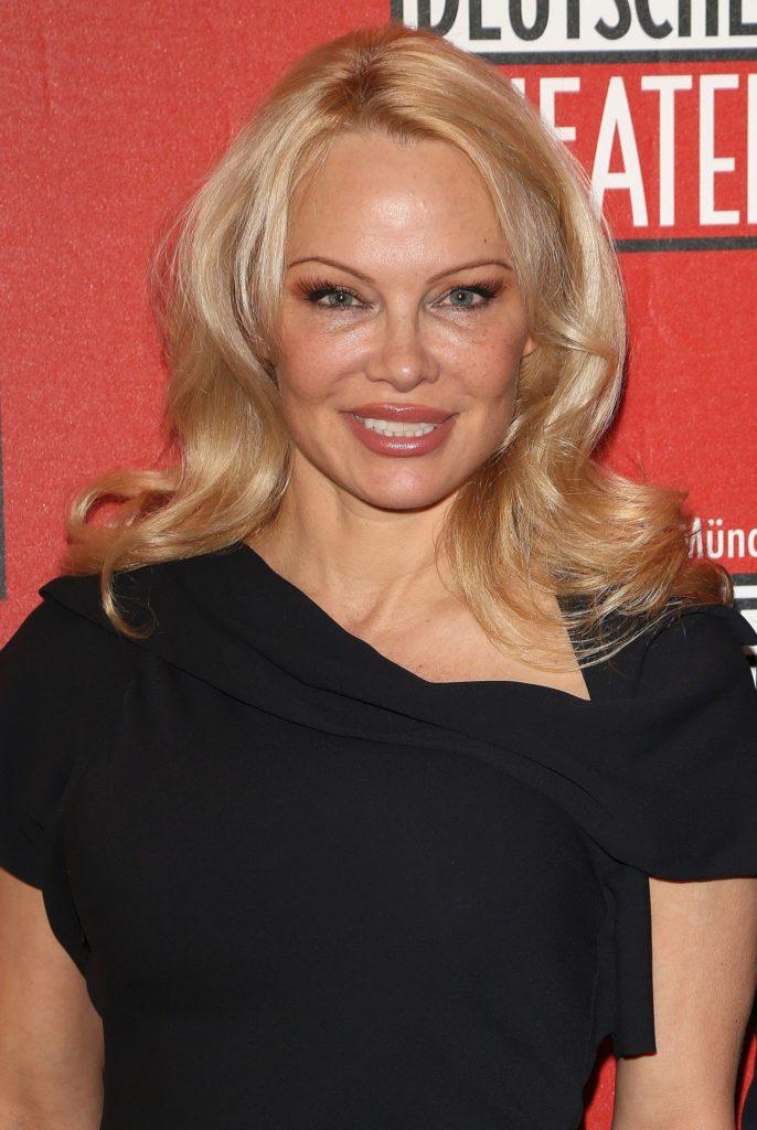 Pamela Anderson Makeup Photos