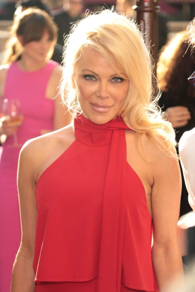 Pamela Anderson Muscles Images