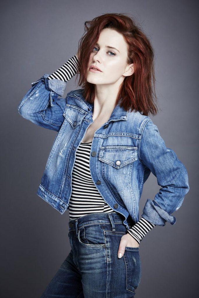 Rachel Brosnahan Jeans Sexy Pics