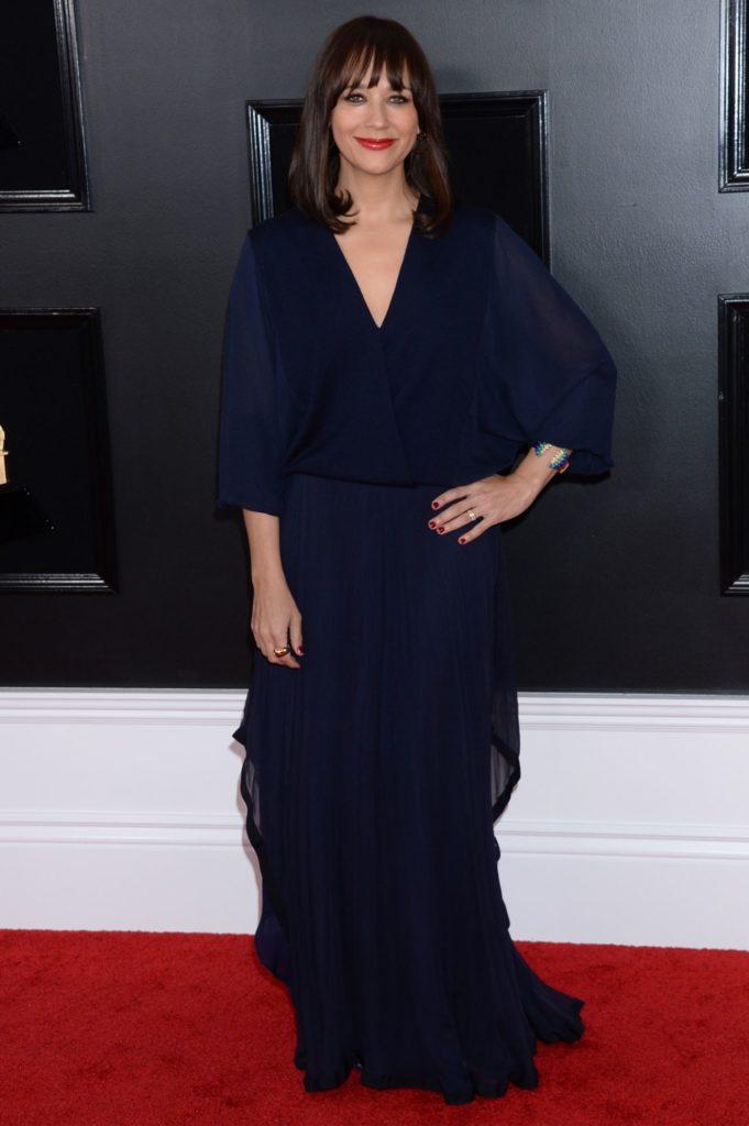 Rashida Jones In Black Gown Pics