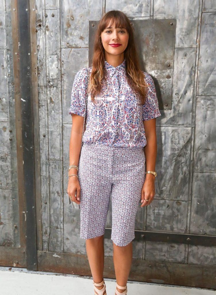 Rashida Jones Leggings Pics