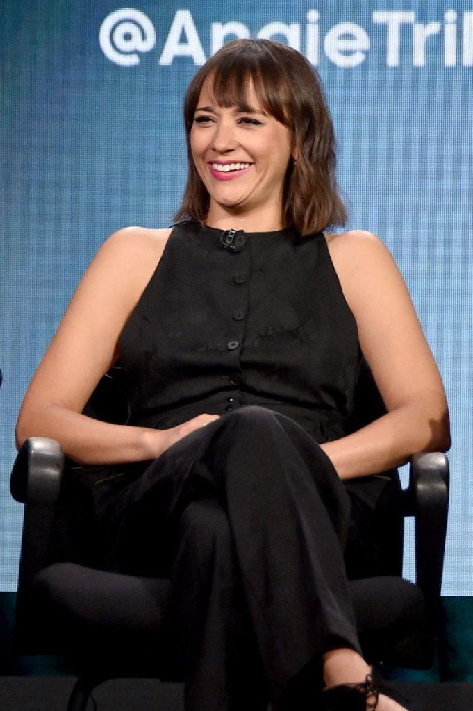 Rashida Jones On Television Show Pics